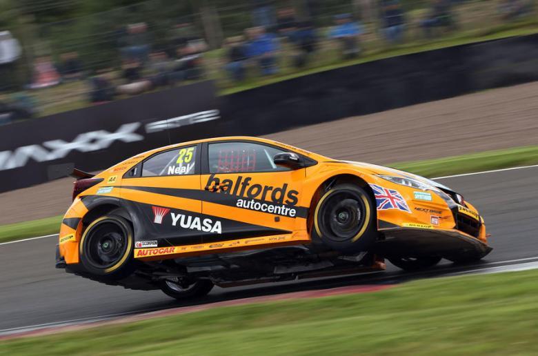 Matt Neal, Honda BTCC, KNockhill 2016 btcc, btcc blog, motorsport blog, alex dodds motorsport