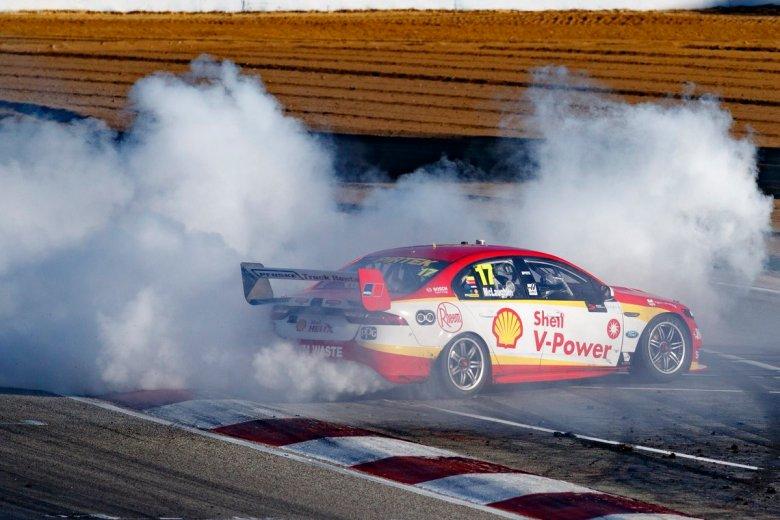 Scott McLaughlin burnout 2018, thehairpincorner, supercars blog, motorsport blog